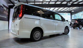 Toyota Noah Hybrid 2015 full